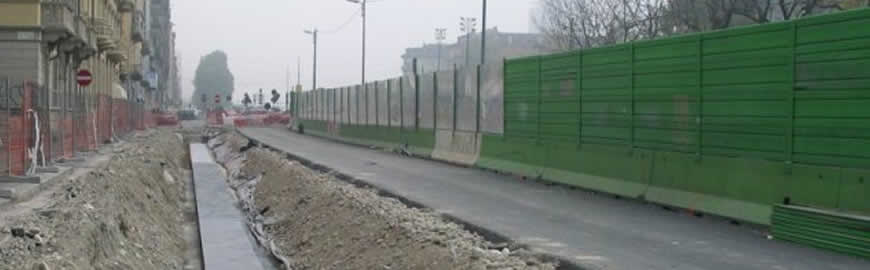 Mobile noise barriers mounted on 'Jersey' barriers