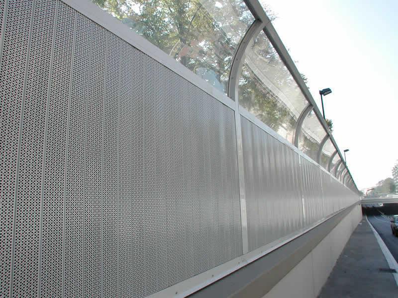 Barriere antirumore per strade e autostrade bosco italia spa - Barriere antirumore per terrazzi ...